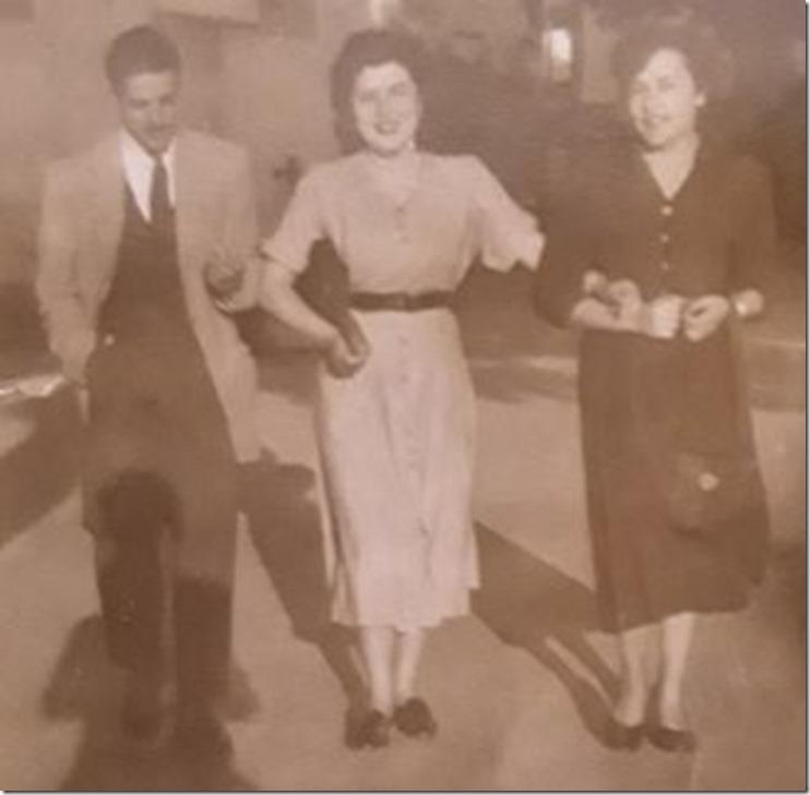 1948=Tito Mª Carmela Mª Celia