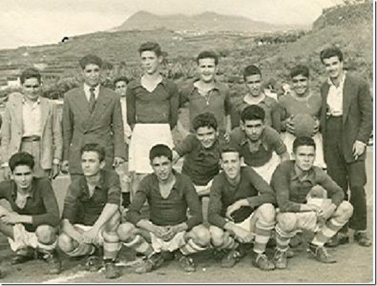 At. Paso juvenil