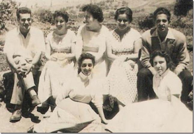 1956. Cinco damas y dos galanes